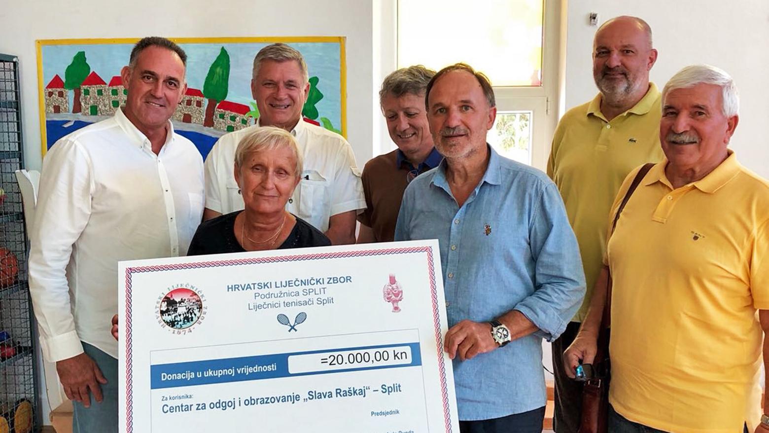 Splitski Lijecnici Tenisaci Donirali Novac Centru Slava Raskaj